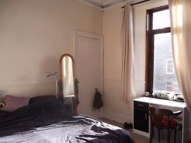 Fully furnished double bedroom near Victoria Park in Aberdeen