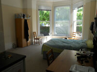 Crouch End-Large Studio-Self Contained- £210pw exclusive bills-12th Dec- Rent direct from Landlord