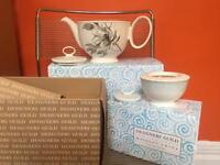 New Boxed Designers Guild brand TeaPot and Sugar Bowl