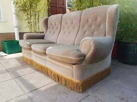 Beautiful Vintage 3 Seater Sofa! *FREE LOCAL DELIVERY* Suite Antique Great Condition!