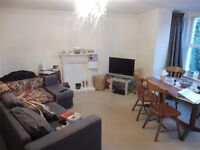 Large 1st floor one bed apartment on Cathedral Road