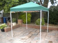 GAZEBO 2M X 2M GREEN WITH COVER