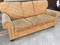 VERY CLEAN 3 SEATER SOFA