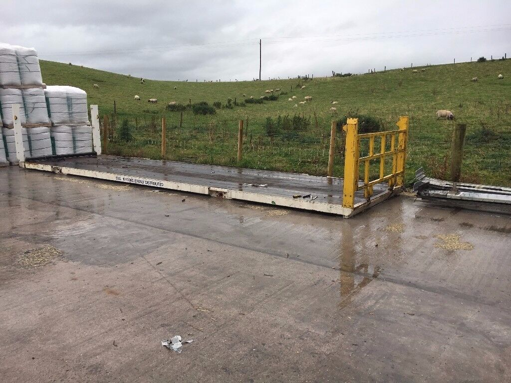Middle deck from double deck trailer 9m x 2.55m