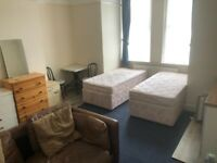 Double Rooms £520 pcm and Single Rooms £370pcm, Bills incl, No fees, Move in SAME day, no ref's