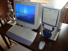 Family Desktop Pc And Monitor Bundle
