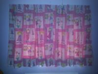 Child's curtain and bedding set
