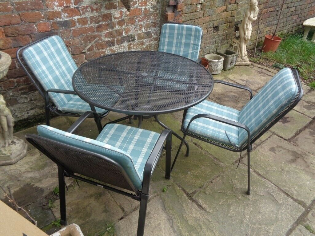 Kettler garden table with 4 chairs and cushions   in ...