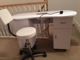 Manicure Table + Chair