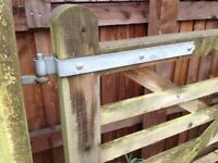 10ft wide gate with brackets