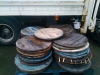 Oak barrel lids