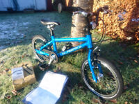 IMMACULATE CURRENT MODEL ISLABIKES CNOC 14 LARGE TEAL BLUE Age 3+ POST FOR XMAS