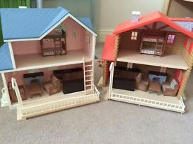 2 toy houses suitable for sylvanians