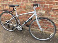 """Giant 17"""" Aluminium Framed hybrid bike. VGC."""