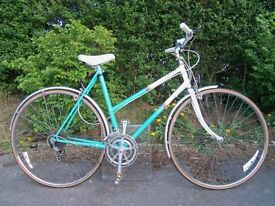 Raleigh Ladies traditional 10 speed bicycle