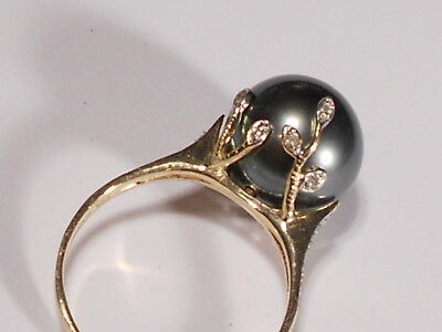 - Tahitian black pearl ring, diamonds, solid 14k yellow gold.