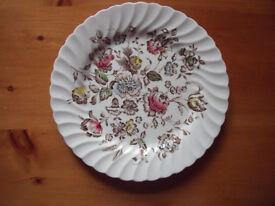 Vintage (1970s?) Johnson Brothers (Hanley) Ltd, Stoke-on-Trent, 'Staffordshire Bouquet' dinner plate