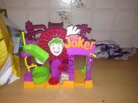 Imagine the jokers house