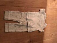 Baby clothing pyjamas/outfit unisex