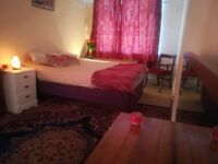 BIG DOUBLE ROOM.CLEAN&QUIET FLAT. FEMALEINTERNATIONAL STUDENT or FEMALEWORKER ONLY. BILLS INCLUDED