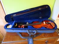 Violin (3/4) including Bow and Sturdy Case, Good Condition