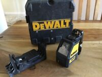 Dewalt dw087 self leveling crossbeam multi line laser level and carry case VGC SOLD FOR A CHARITY