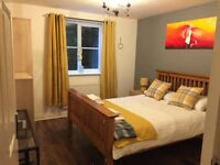 Two Bed Flat Short Term Let in Crawley/Manor Royal. Free WiFi and parking