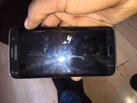selling asap !!samsung galaxy s 7 edge with a VR HEADSET and a WIRELESS CHARGING DOC