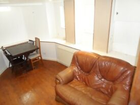 4 Bedroom 2 bathroom Separate Living Room Awesome Place - Coplestone Road Peckham London SE15 4AN
