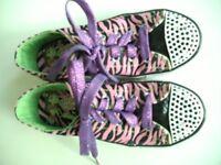 Skechers Twinkle toes size 1.5
