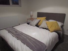 Double Rooms. stunning newly refurbished house. Superfast broadband, fridges, televisions included