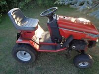 "Ride on lawnmower Westwood t1600 includes 42"" triple blade rear discharge deck 16hp engine."