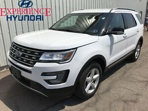 2016 Ford Explorer XLT LOADED XLT EDITION! 4X4  V6  LOW KMs  FAC
