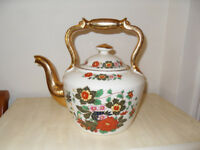 Pottery kettle Staffordshire decorated