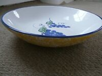 LARGE CERAMIC handpainted FRUIT BOWL in Excellent condition
