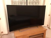 Hisense 55 inch CURVED 4K ultra hd smart led tv. In excellent condition £450 NO OFFERS. CAN DELIVER