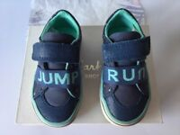Clarks Juggle Pip First Blue Canvas Trainer Size 4F Brand New