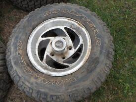 Suzki 4x4 tyres and rims 235 75 15