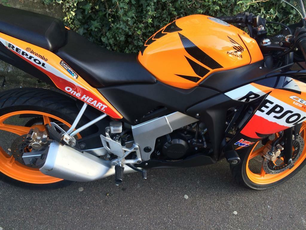 honda cbr repsol 125 cc in hackney london gumtree. Black Bedroom Furniture Sets. Home Design Ideas
