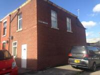 3 bedroom house in Cemetery Road, Preston, PR1 (3 bed)