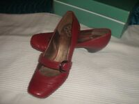 LADIES CLARKES CLARET RED SHOES SIZE 5 .SEE PICURES