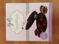 Sweet Treats Whoopie Pie maker by Sensiohome - New. Easy to use - Pink/Lilac