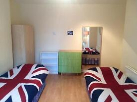 Huge Double Room For 2 People Available Now