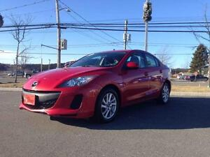 2013 Mazda Mazda3 GS-SKY..LOW KMS..$117 BI-WEEKLY..HEATED SEATS!