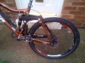 Just serviced Kona Dawg Deluxe full suspension mountain bike 26 inch, medium frame2009,