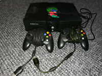 XBOX with 160gb HDD, Games, two controllers, 720p, Component Video Lead