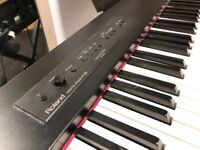 Roland F-20 digital piano, 88 keys, incl( accessories + sustain petal)