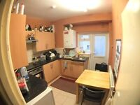 DOUBLE BEDSIT, CHAMBERLAYNE ROAD, KENSAL GREEN, NW10