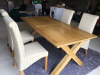Oak extendable dining table with 4 high back dining chairs