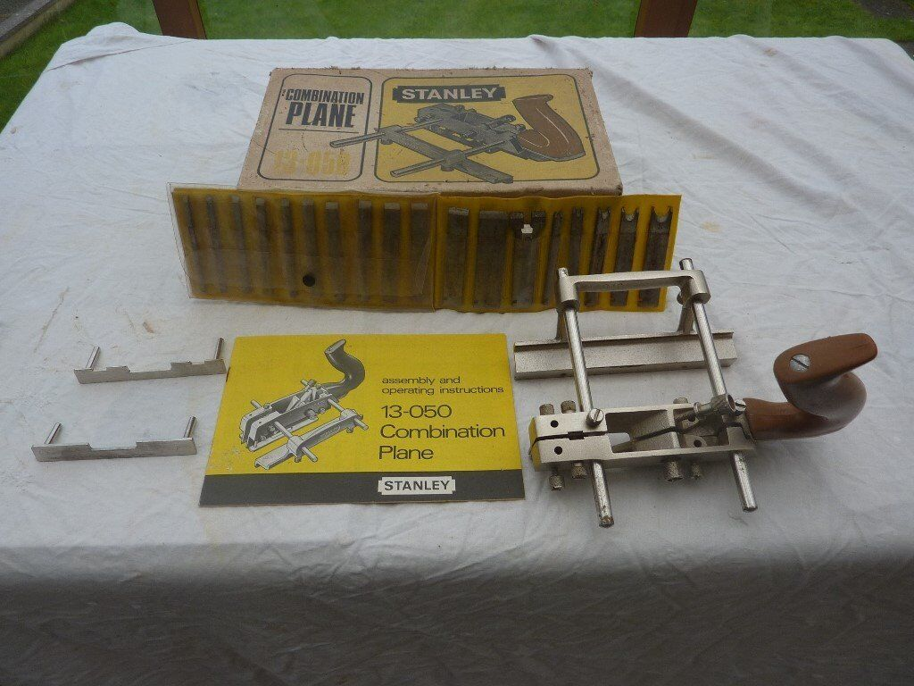 FOR SALE STANLEY COMBINATION PLANE WITH 18 CUTTERS